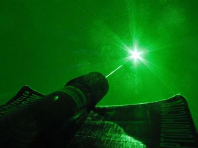 Galvosūkis fizikos teoretikams: eksperimento metu pavyko perduoti informaciją greičiau nei šviesos greitis
