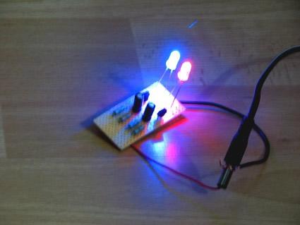 Dviejų LED mirksiukas