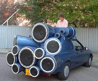 """Automobiliukas nedidelis, bet va audio """"tiuningas""""..."""