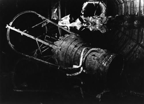 V-2 raketos dalis viename iš požeminių tunelių
