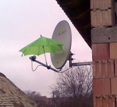 Jei palydovinė antena streikuoja per lietų...