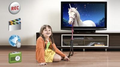 """Laidų įrašymas, videonuoma, radijas, """"Facebook"""" – tiesiog jūsų televizoriaus ekrane"""