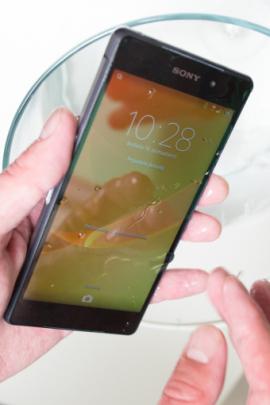 """Išmaniojo telefono """"Sony Xperia Z2"""" apžvalga: ar verta už jį"""