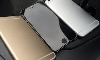 """""""Foxconn"""" gamyklose """"iPhone 6"""" surinkinės robotai?"""