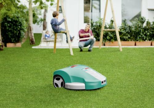 Šiuolaikiniai vejos pjovimo robotai: jų galimybės iš arčiau