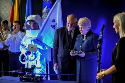 VGTU Mokslo atradimų dienos atidarymo ceremoniją pradėjo robotas