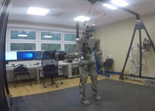 """Rusiškos gudrybės pristatant visame pasaulyje """"patį geriausią"""" robotą kosmonautą"""