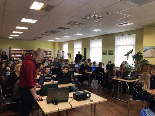 """Su """"Coder Dojo"""" Lietuva programuoti pirmąsias svetaines išmoko šimtai vaikų"""