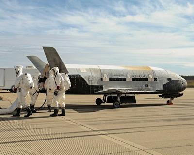 """Slapčiausias JAV kosminis aparatas pasiekė """"slaptų misijų"""" kosminėje orbitoje rekordą"""