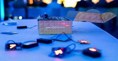 Penktokai mikrokompiuteriais jau kuria švieslentes, žingsniamačius ir nuotoliniu būdu valdo planšetes