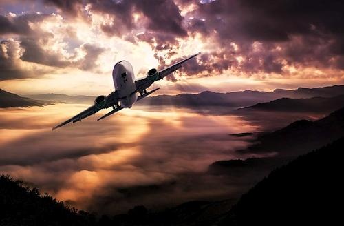 Kaip elektroninių prietaisų lėktuvuose draudimas taptų teroristų pergale?