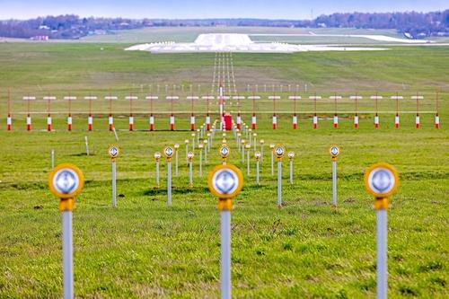 Aviacijos ekspertas: Vilniaus oro uosto taką rekonstruoti reikia dabar, o ne ateityje