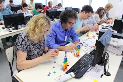 """""""LEGO"""" robotai – galimybė sudominti studentus programavimu"""
