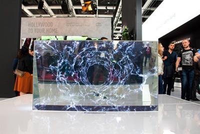 """""""Panasonic"""" parodė skaidrų OLED televizorių"""