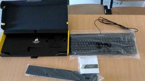 """Mygtukų ir švieselių karalystė: membraninė """"Corsair K55 RGB"""" klaviatūra"""