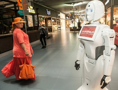 Prieš gaunant nuolatinį darbą, robotams dar teks pasimokyti lietuvių kalbos