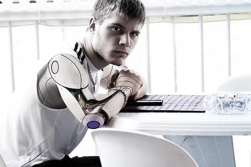 Ar robotas kūryboje pakeis žmogų?