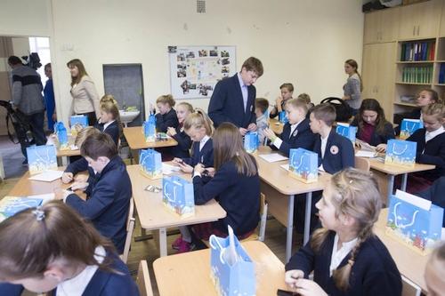 Nemokami mikrokompiuteriai masiškai keliauja pas Lietuvos vaikus