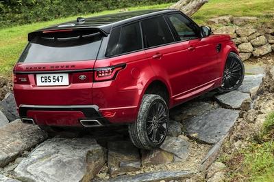 "Naujiena iš ""Land Rover"": pirmasis ""plug-in"" hibridas ""Range Rover Sport"""