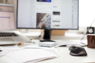 Kaip pasirinkti tinkamą monitorių, praleidžiant daugiau laiko prie ekranų