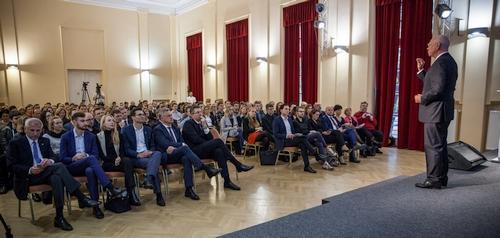 Naujasis KTU garbės daktaras Klausas Schwabas: pramonę 4.0 turi sektišvietimas 4.0