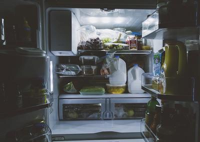 Kokie įpročiai padeda taupyti šaldytuvo energiją?
