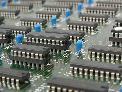 Kaip atskirti legalų elektronikos atliekų surinkėją nuo nelegalaus?