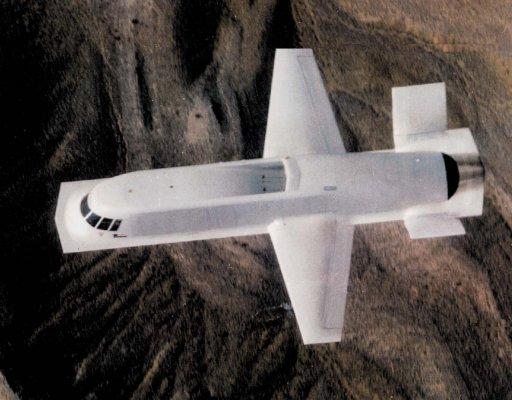 """Naujos kartos ir revoliucinės išvaizdos dronas """"MQ-25 Stingray"""" pralenkė laiką?"""