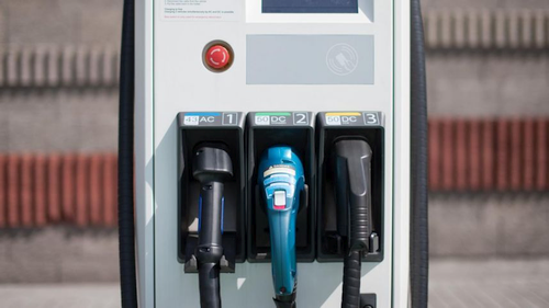 Automobilių rinkoje lyderiaus ne elektra, bet vandeniliu varomi varikliai