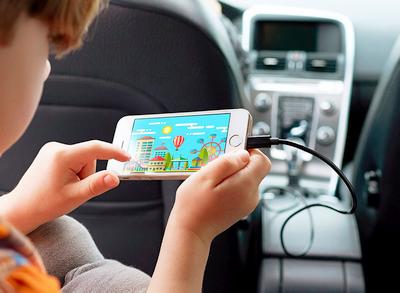 """Kaip neleisti """"iPhone"""" automatiškai pradėti groti muzikos automobilyje"""
