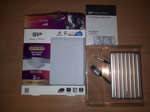 """Tvirtas aliuminis gražuolis – """"SP Armor A75"""" išorinis kietasis diskas!"""