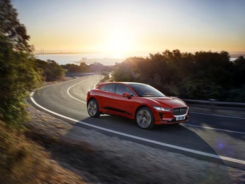 """Elektrinė revoliucija: pristatytas """"Jaguar I-Pace"""""""