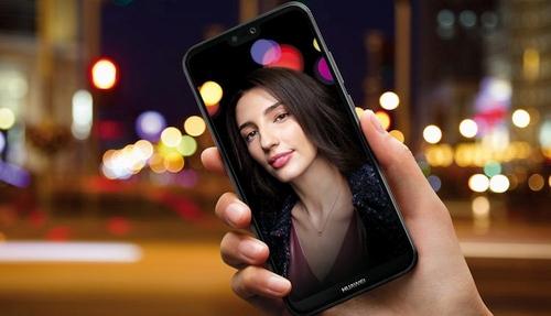 """""""Huawei P20 lite"""" – jaunesnysis flagmanų brolis"""