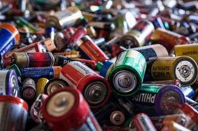 Kiek Lietuva sukaupia nešiojamųjų baterijų atliekų?