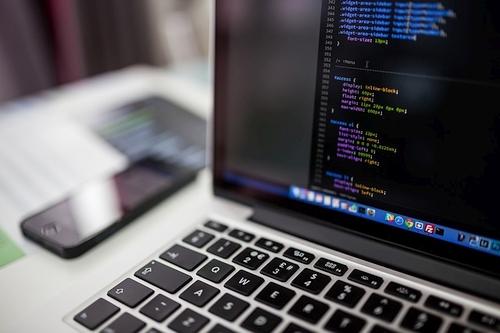Ieškantiems perspektyvios profesijos – JAVA programavimo kalbasiūlo plačias karjeros galimybes