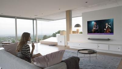"""""""LG Electronics"""" (LG) Lietuvoje pristatė 2018-ųjų metų OLED TVliniją. Šiuo metu prekybos centruose galima įsigyti 65 arba 55 colių C8, B8 ir E8 modelius."""