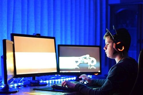 Policija įspėja dėl sukčių elektroninėje erdvėje – šiems išradingumo netrūksta