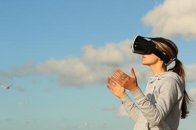 Patarimai ir gudrybės nusprendusiems išbandyti virtualios realybės akinius