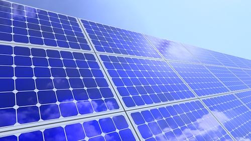 """Įvertintas už tvarumo politiką """"Technopolis"""" gamins dar daugiau saulės energijos"""