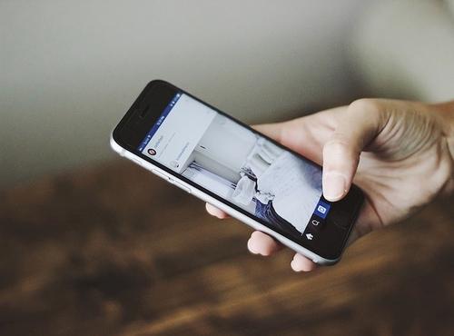 Tyrimas: trečdalis šalies gyventojų be telefono ištvertų vos kelias valandas