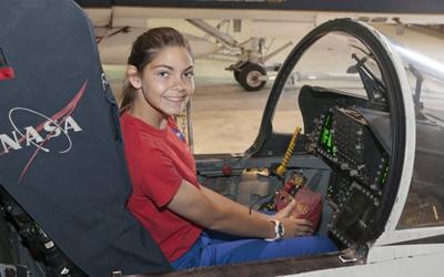 NASA kelionei į Marsą rengia pirmąjį žmogų – 17-metę merginą