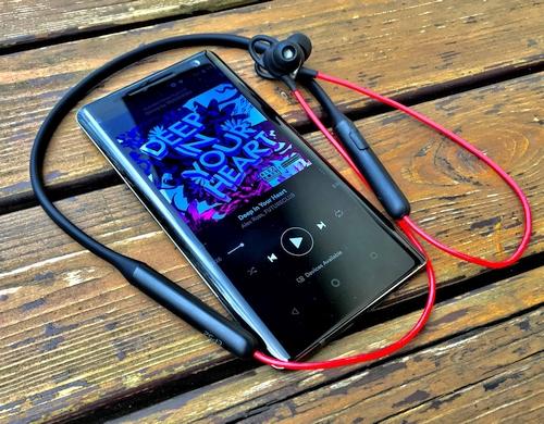 """""""Nokia 8 Sirocco"""" apžvalga"""