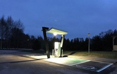 Elektromobiliams įkrauti – 57 naujos elektromobilių įkrovimo prieigos