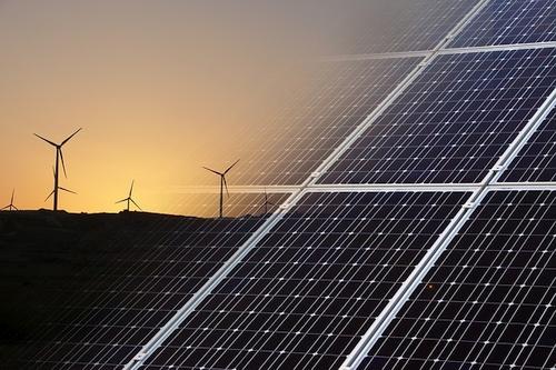 Saulės energija – būdas ne tik gaminti elektrą, bet ir palaikyti ryšį su civilizacija