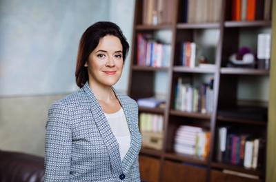 Dr. Renate Strazdina