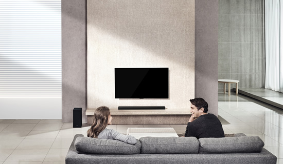 """Naujoji """"LG Soundbar"""" sistema namus užpildys kino teatro lygio garsais"""