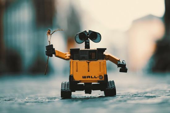 Ar ateityje maistą į namus pristatinės robotai?