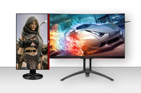 """""""AOC G2590PX"""" monitorius, statmenai pastatytas šalia """"AG322QC4"""" monitoriaus, kuria aplinką, skirtą 144 Hz dažnio žaidimams be ribų"""