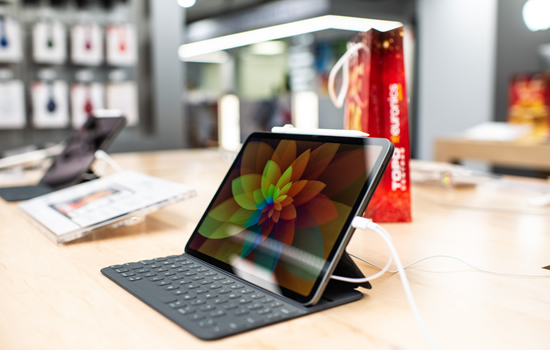 """4 būdai kaip """"iPad"""" gali pakeisti jūsų nešiojamą kompiuterį"""