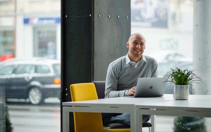 IT profesionalo sėkmė: pradėjo dirbti dar studijuodamas, dabar jau užima svarbias pareigas